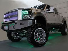 Ford 4X4 Lifted Truck