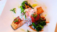 Recette de filet de saumon mariné | Foodlavie Filets, Fish And Seafood, Bruschetta, Biologique, Ethnic Recipes, Kitchen, Food La, Fruit, Drinks