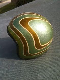 Awesome vintage helmet seller.