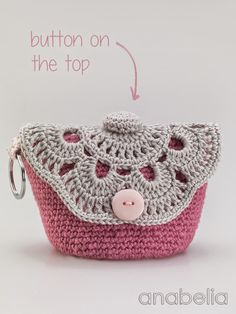 Another lovely little pattern from the blog Anabelia Crochet Design. DIYMakeup Pouches. Here's what Anabelia says about the pattern: Here are the .. makeup bags I've made following the well explained pattern that you can findhere.