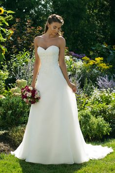 Sweetheart Gowns Ivory/Ivory Size Sweetheart A-Line Gown with Floral Detailed Bodice Affordable Wedding Dresses, Elegant Wedding Dress, Perfect Wedding Dress, Dream Wedding Dresses, Bridal Dresses, Wedding Gowns, Bridesmaid Dresses, Justin Alexander, Sweetheart Wedding Dress