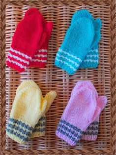 marianna's lazy daisy days: Toddler Mittens: These mittens are cute and super quick and easy to knit up. Two needles!