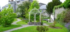 Castle Durrow, Co. Superior Hotel, Mums The Word, Elegant Dining Room, Blue Books, Reception Areas, Guest Bedrooms, Home And Family, Outdoor Structures, Island