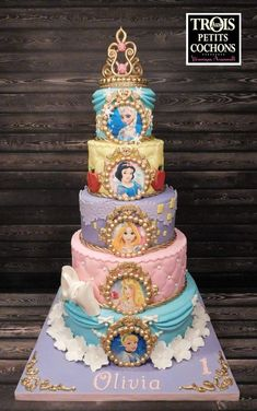 Princess Cake on Cake Central - birthday Cake Ideen Disney Princess Birthday Cakes, Disney Birthday, Birthday Cake Girls, 5th Birthday, Princess Birthday Centerpieces, Castle Birthday Cakes, Tangled Birthday, Frozen Birthday Cake, Princess Cupcakes