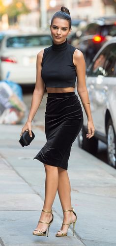 You won't believe how much Emily Ratajkowski's skirt cost!