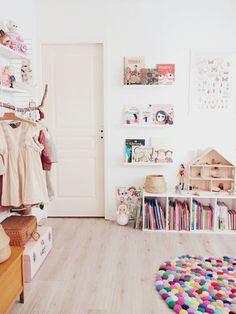 Dollhouse girl room