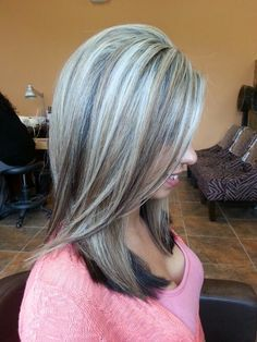 Platinum highlights over dark hair - Bing Images. Just gorgeous! Platinum Highlights, Gray Hair Highlights, Platinum Blonde, Chunky Highlights, Caramel Highlights, Love Hair, Great Hair, Corte Y Color, Hair Color And Cut