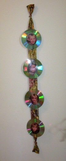 CD Picture Hanger