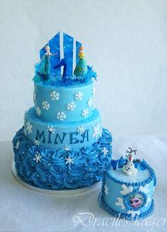 Frozen birthday cake with smash cake. Frozen First Birthday, Elsa Birthday, Baby Girl First Birthday, Birthday Cake Girls, First Birthday Cakes, 5th Birthday, Birthday Parties, Birthday Ideas, Disney Frozen Cake