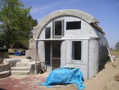 Fancy ecohomes by earth bag construction-SR Tiny Houses For Sale, Big Houses, Little Houses, Earth Bag Homes, Eco Architecture, Natural Homes, Tiny House Listings, Dome House, Unusual Homes