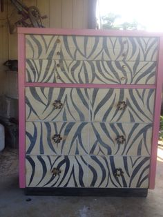 Zebra chest of drawers