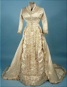 victorian wedding dress | Victorian Wedding Theme | Truly Engaging Wedding Blog