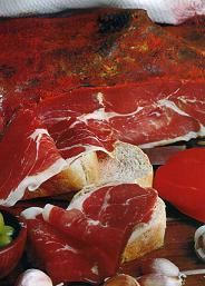 jamón crudo- paso a paso                                                       … Sausage Recipes, Cooking Recipes, Long Term Food Storage, Salty Foods, Chorizo, How To Make Sausage, Smoking Meat, Ceviche, International Recipes