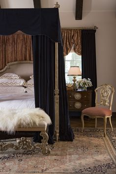 A traditional bedroom by Ebanista. Featuring Richelieu Bed with Canopy Rails, Adorno Bench, Dauphine Tuscan Furniture, Rustic Furniture, Bedroom Furniture, Bedroom Decor, Paint Furniture, Dream Bedroom, Master Bedroom, Tuscan Design, Mediterranean Home Decor