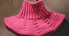 Jouluna yö-vuoroon lähtiessä nappasin mukaani kauan kaapissa pyörineen Novitan Siiri-langan ja vitosen pyöröt, ajatuksena neuloa kauluri nei... Knit Or Crochet, Crochet Scarves, Free Crochet, Crochet Hats, Baby Knitting Patterns, Crochet Patterns, Knitting Projects, Knitting Ideas, Handicraft