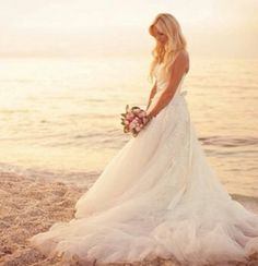 Beautifull beach bride shoot!