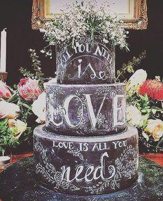 Amazing chalkboard wedding cake