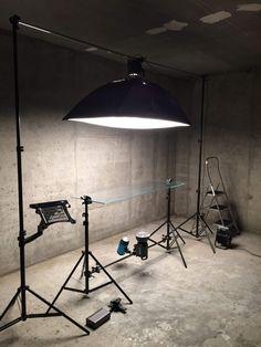 Pin by jay tran on lighting setups освещение в фотографии, и Photography Studio Setup, Photography Lighting Setup, Photo Lighting, Still Life Photography, Light Photography, Photography Ideas, Studio Lighting Setups, Lighting Ideas, Fotografia Tutorial