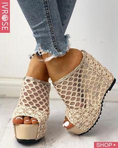 ivrose / Mesh Hollow Out Platform Wedge Sandals Estilo Fashion, Look Fashion, Fashion Shoes, Womens Fashion, Fall Fashion, Fashion Trends, Platform Wedge Sandals, Wedge Shoes, Heeled Sandals
