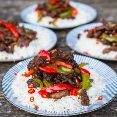 Bio: Thought you could only get it at the local Chinese? This dish is so easy to make. And the sesame really makes it flyyyyyy. Sesame Beef, Sesame Oil, Mob Kitchen, Crispy Beef, Asian Recipes, Ethnic Recipes, Meat Recipes, Tonkatsu, Beef Stir Fry