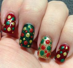 Christmas polka dot sparkle nail art