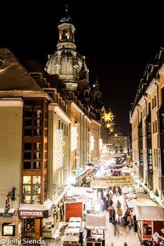 Dresden Christmas Market at Night. Photo credit Jolly Sienda Photography.