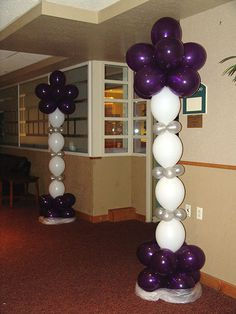 purple and white Balloon column.  #balloon-column #balloon-decor