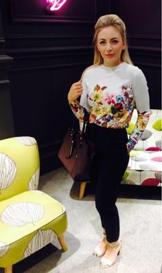 Meadowhall try out the Kirkby jumper from the V&A Collection #MyLifeInPrint