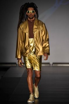 BRASIL F/W 15 | CASA DE CRIADORES | RAPHAEL DEBEI. Gold! Gold! Gold! Shoes by @perkyshoes/ Horrible use of gold tones. Even in the dark this is a disaster.