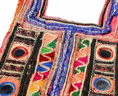 He encontrado este interesante anuncio de Etsy en https://www.etsy.com/es/listing/508519261/indian-vintage-banjara-espejo-y-colorido