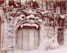 Eugène ATGET - L'Enfer, cabaret, 53 boulevard de Clichy.