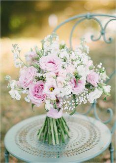 hübscher pastellfarbener Hochzeitsblumenstrauß, Bild von Hannah Duffy Photography