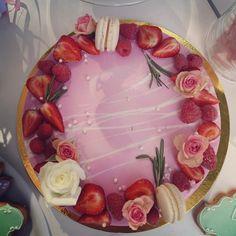 Amazing pink birthday cake