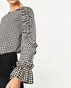 Imagen 2 de CUERPO CUADROS VOLANTE MANGA de Zara Zara Tops, Style Casual, Casual Tops, Casual Outfits, Embroidery Suits Design, Madame, Women's Summer Fashion, Gingham Dress, Pretty Outfits