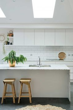 White kitchens | Home Beautiful Magazine Australia