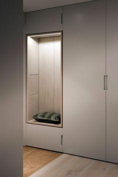 pour briser l'effet trop froid de grands rangements (dans votre chambre ou le petit salon ou meme le salon...selon les idees):