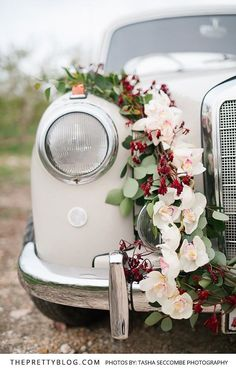 Romantic Flowers Rested on the Top of your Wedding Car | Photography by Tasha Seccombe Photography | Flowers by Fleur Le Cordeur