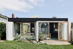 Local Australian Architecture & Design Brunswick West House Created By Taylor Knights 8 - The Local Project Architecture Design, Australian Architecture, Australian Homes, Melbourne Architecture, Beautiful Architecture, Bungalow Extensions, House Extensions, Interior Design Awards, Bungalow Homes