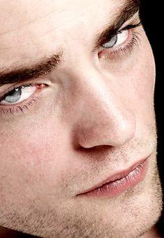 Robert Pattinson..... Beautiful eyes