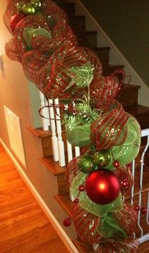 christmas staircase decorations | Christmas Decorating