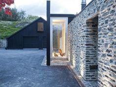 Love glazed porch lit - 68 Hunter Road, Dalefield, Queenstown | Queenstown, New Zealand. Beautiful glass box.