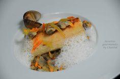 Filet de bar au beurre de combava, Fregola Sarda en risotto, coques