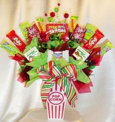 Learn how to make candy bouquets – Candy Bouquet Designs books. Start Candy Bouquet and Gift Basket Business or Do it for a hobby! Candy Bar Bouquet, Gift Bouquet, Xmas Gifts, Craft Gifts, Diy Gifts, Christmas Candy, Christmas Crafts, Christmas Birthday, Holiday Fun