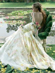 Stunning backless rose flower wedding dress