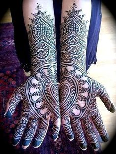 Beautiful mendhi....Art differs Country to Country, Embrace our Differences...Blend & Adopt, Adding Depth to Your Cultural Character ;)