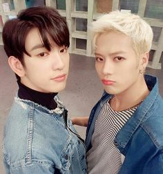 GOT7 JInson moment. Jinyoung and Jackson