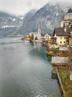 Stopover in Hallstatt: how much can you see in a few hours? - Go Restless  #hallstatt #Austria #travel #traveldestinations #europe #europetravel #austriatravel #austriatravelinspiration