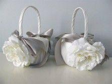 Корзинка для лепестков бант стальной цветок белый