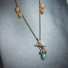 Fluoritt og bronse smykke Arrow Necklace, Pendant Necklace, Chain, Jewelry, Jewlery, Jewerly, Necklaces, Schmuck, Jewels