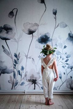 Morängen is a wall mural with dreamy meadow flowers that grow enlarged up the wall. See it here and fall in love with this inviting image. Wallpaper Direct, Kids Wallpaper, Flower Wallpaper, Wall Wallpaper, Pattern Wallpaper, Sandberg Wallpaper, Mural Art, Wall Murals, Flower Mural